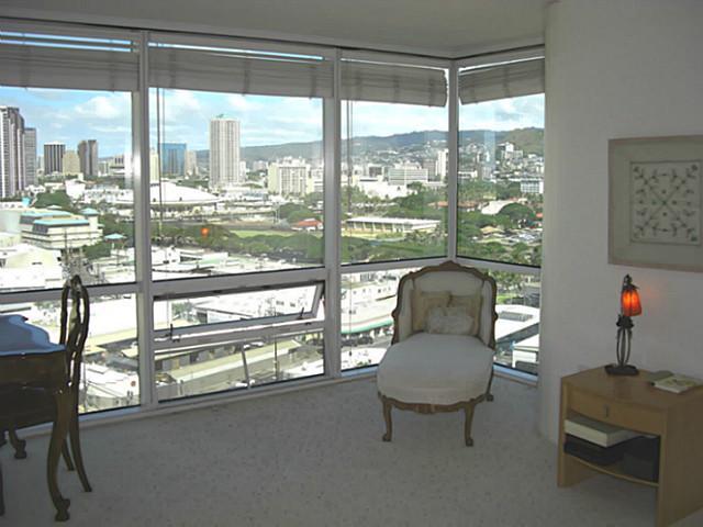 Hawaiki Tower condo # 1709, Honolulu, Hawaii - photo 9 of 13