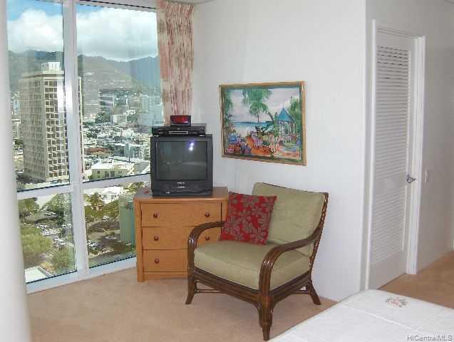 Hawaiki Tower condo # 2202, Honolulu, Hawaii - photo 5 of 10