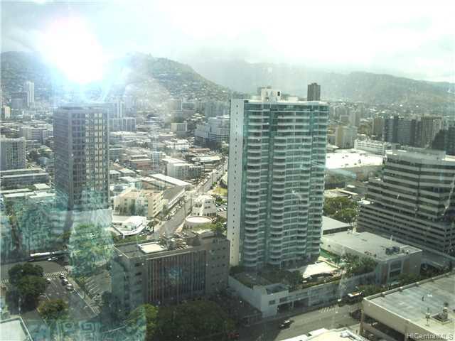 Hawaiki Tower condo # 3004, Honolulu, Hawaii - photo 8 of 9