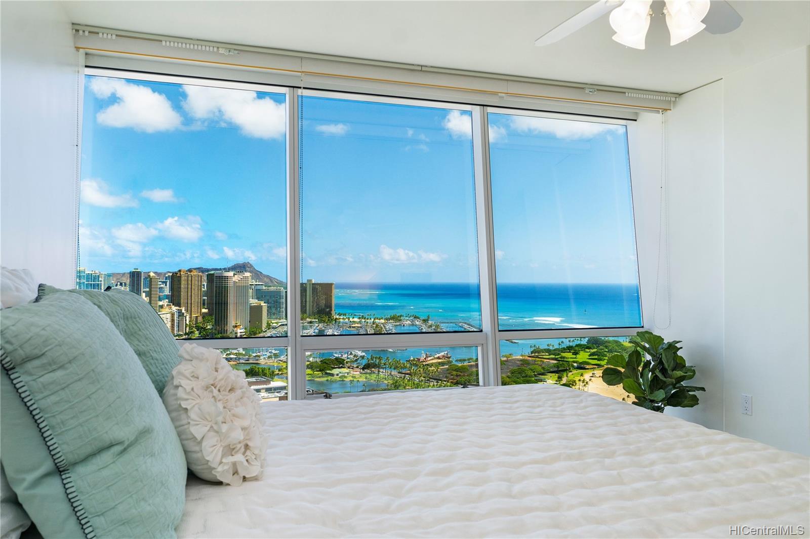Hawaiki Tower condo # 3707, Honolulu, Hawaii - photo 7 of 25
