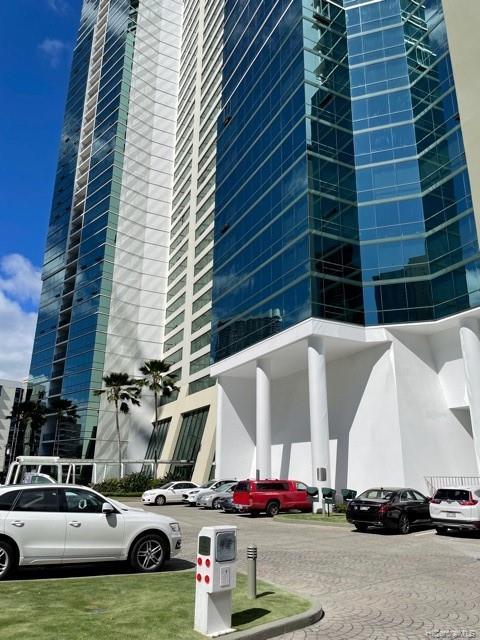 HAWAIKI TOWER condo # 502, Honolulu, Hawaii - photo 1 of 15