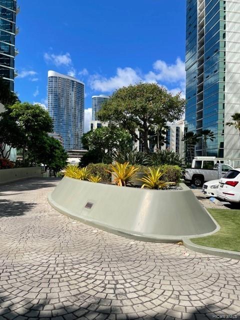 HAWAIKI TOWER condo # 502, Honolulu, Hawaii - photo 5 of 15