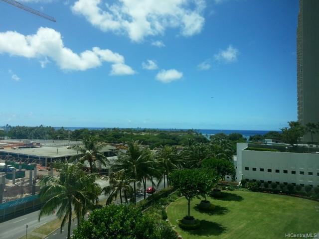 HAWAIKI TOWER condo # 704, Honolulu, Hawaii - photo 7 of 7