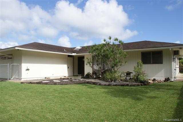 909  Lunahelu St Maunawili, Kailua home - photo 1 of 8