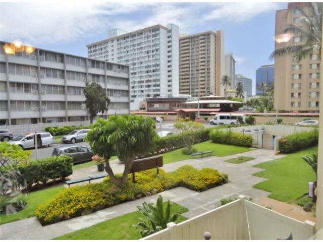 Sandalwood condo # 203, Honolulu, Hawaii - photo 4 of 12