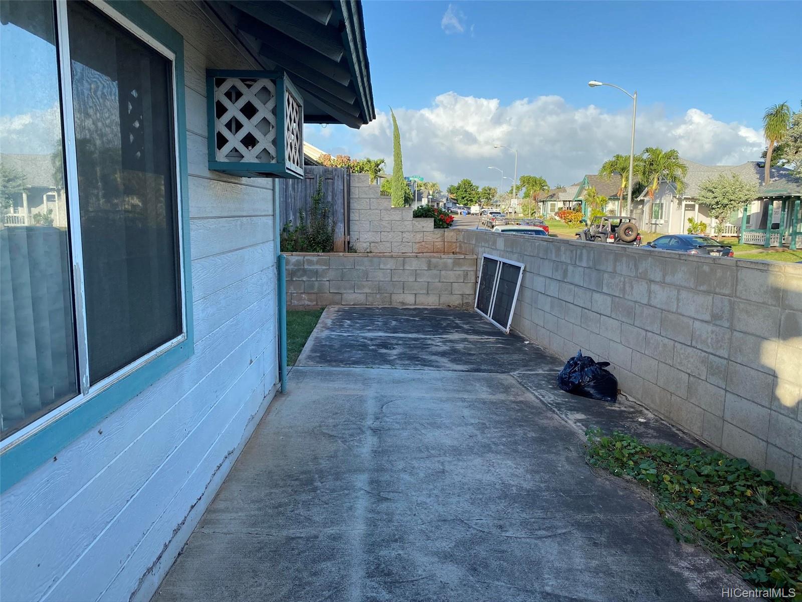 91-1029  Palala Street Kapolei, Ewaplain home - photo 9 of 10