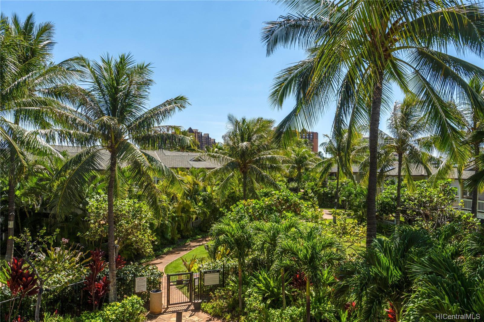 Coconut Plantation condo # 66-5, Kapolei, Hawaii - photo 1 of 20