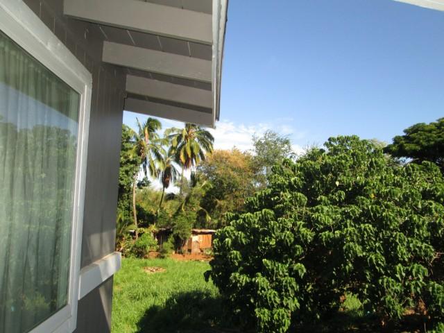 94-027  Nawaakoa Pl Waipahu-lower, Waipahu home - photo 3 of 11