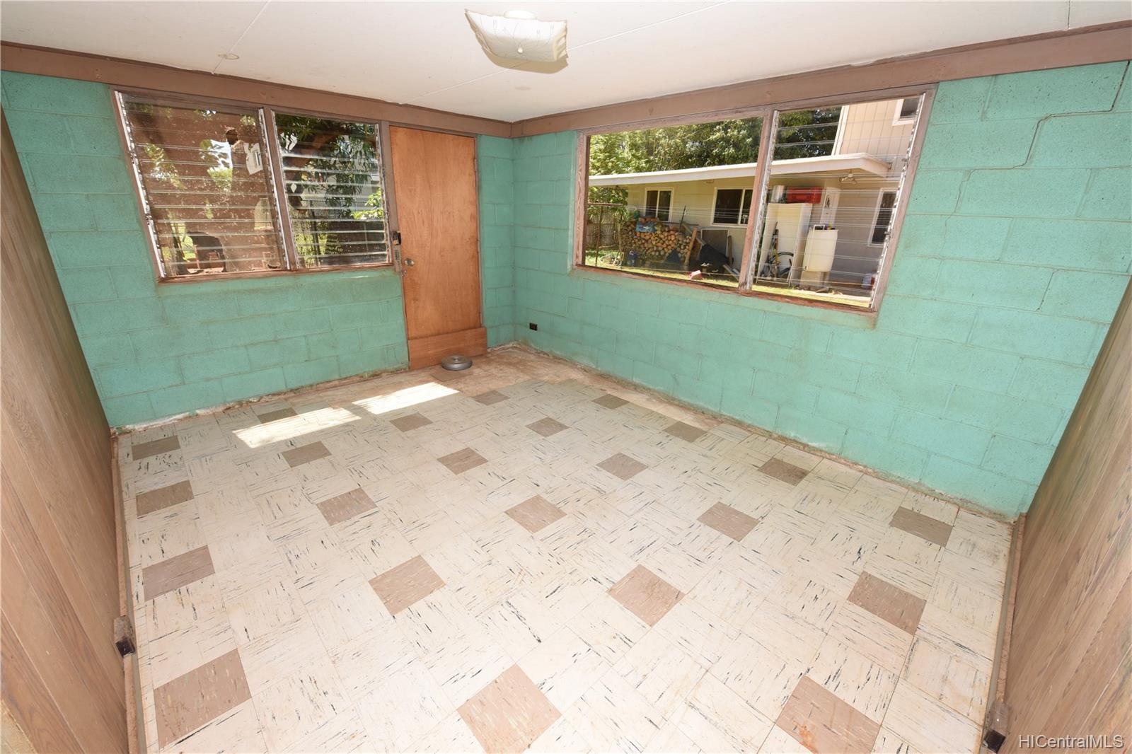 94-1063  Nalii Street Waipahu-lower, Waipahu home - photo 12 of 23