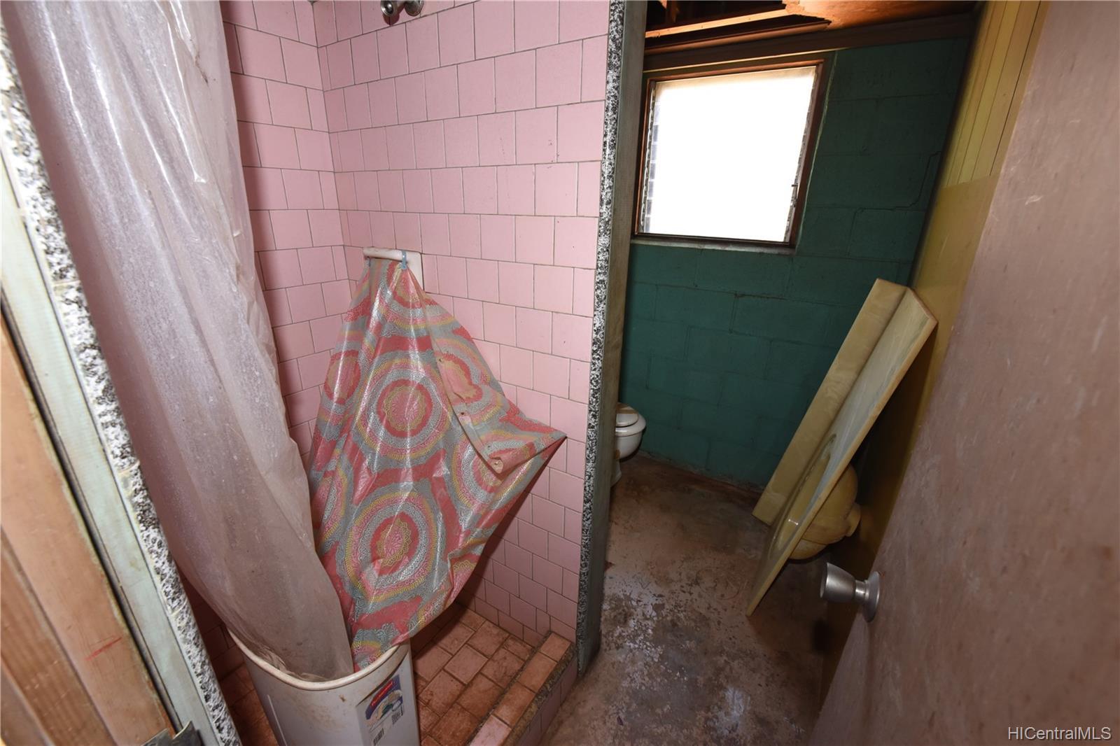 94-1063  Nalii Street Waipahu-lower, Waipahu home - photo 13 of 23