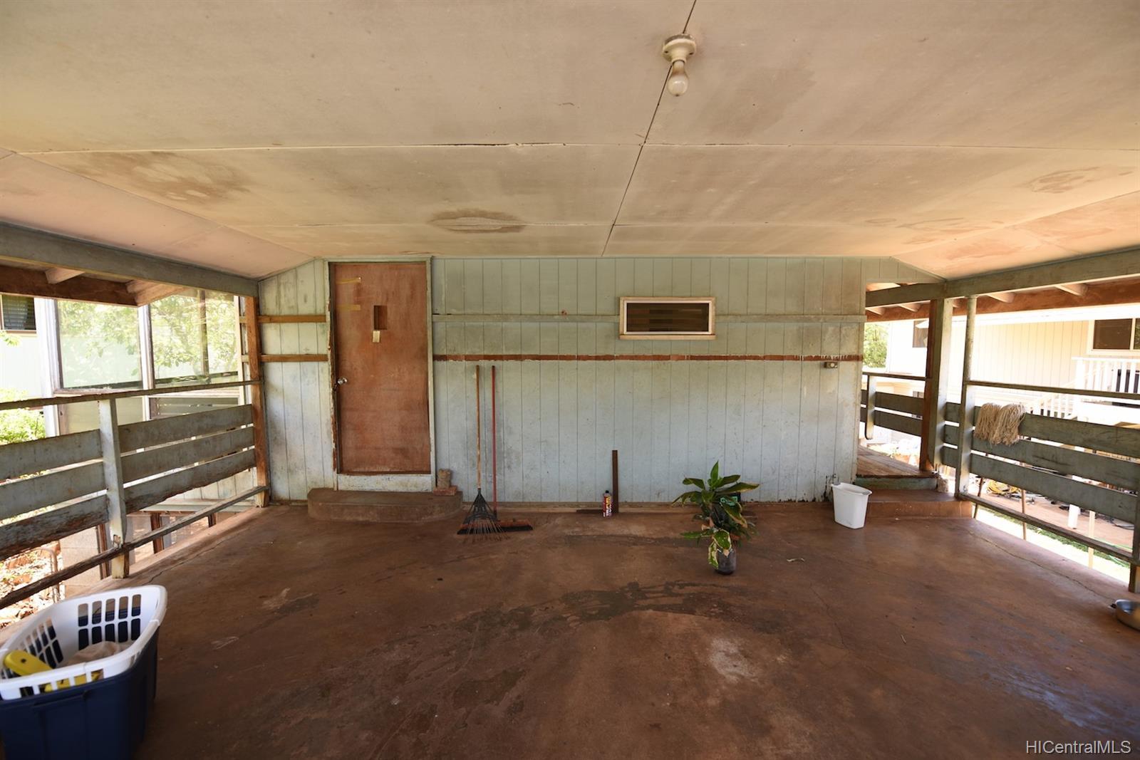 94-1063  Nalii Street Waipahu-lower, Waipahu home - photo 19 of 23