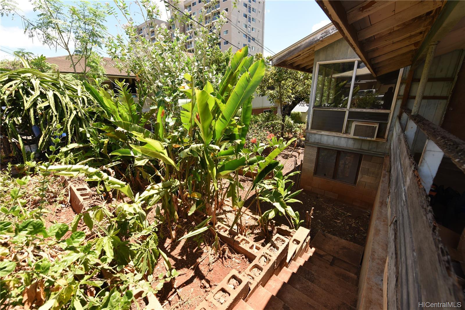 94-1063  Nalii Street Waipahu-lower, Waipahu home - photo 20 of 23