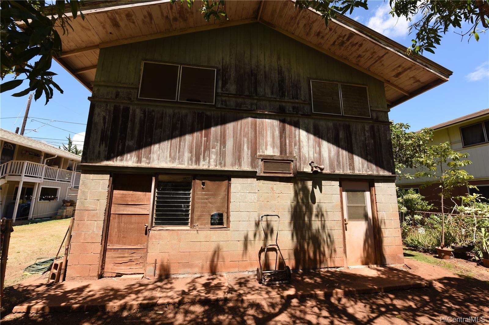 94-1063  Nalii Street Waipahu-lower, Waipahu home - photo 21 of 23