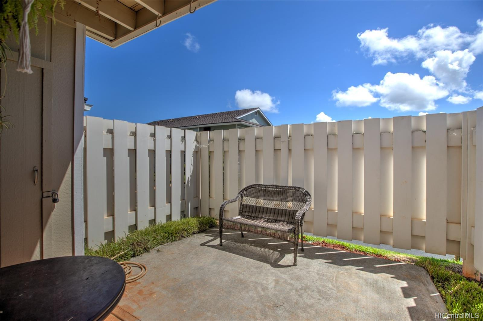 Hikino 2 condo # P3, Waipahu, Hawaii - photo 9 of 11