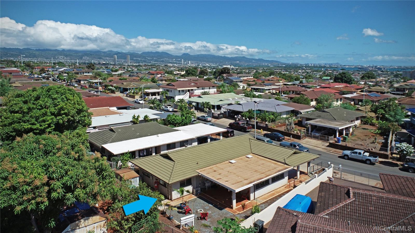 94-1098  Hoomakoa Street Waipahu Estates, Waipahu home - photo 1 of 20