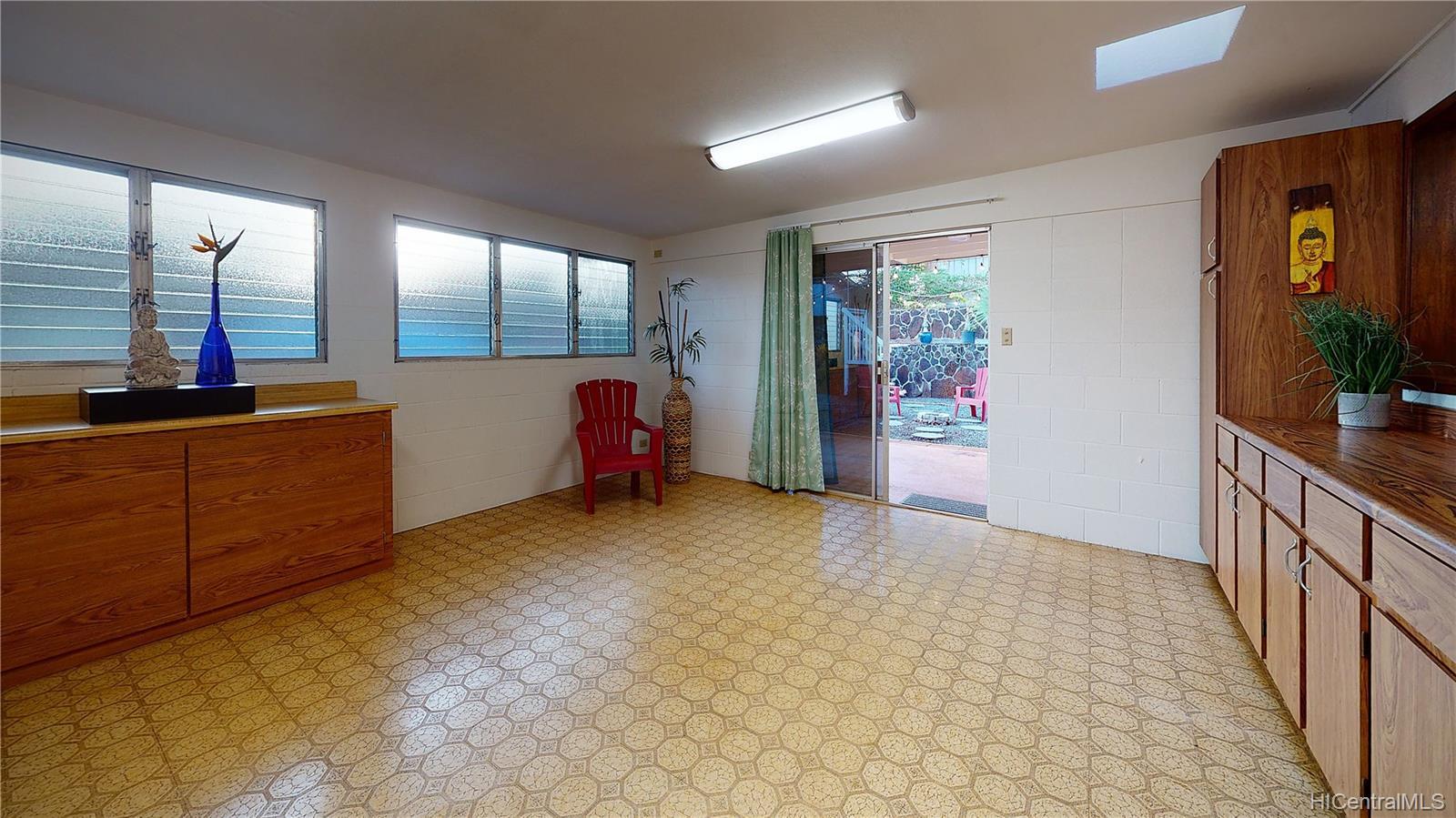 94-1098  Hoomakoa Street Waipahu Estates, Waipahu home - photo 8 of 20
