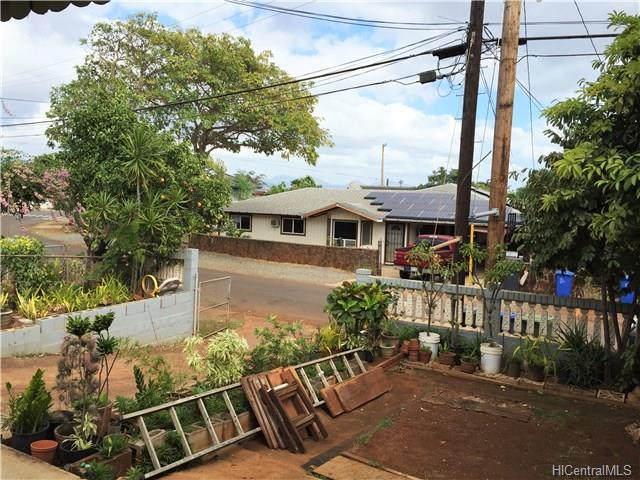 94-1128  Huakai St Waipahu-lower, Waipahu home - photo 9 of 10