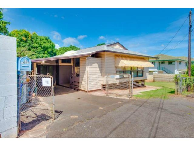 94-1293A  Henokea St Waipahu-lower, Waipahu home - photo 1 of 16