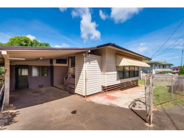 94-1293A  Henokea St Waipahu-lower, Waipahu home - photo 15 of 16