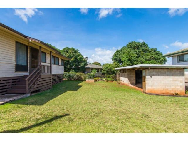 94-1293A  Henokea St Waipahu-lower, Waipahu home - photo 3 of 16