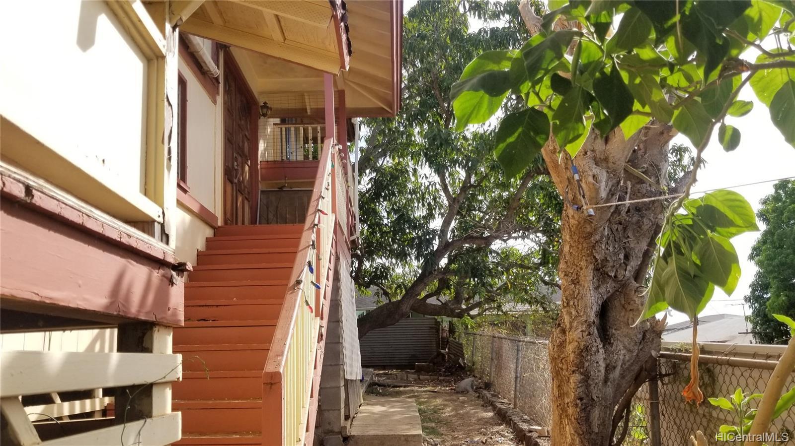 94-144  Awanui Street Waipahu-lower, Waipahu home - photo 11 of 21