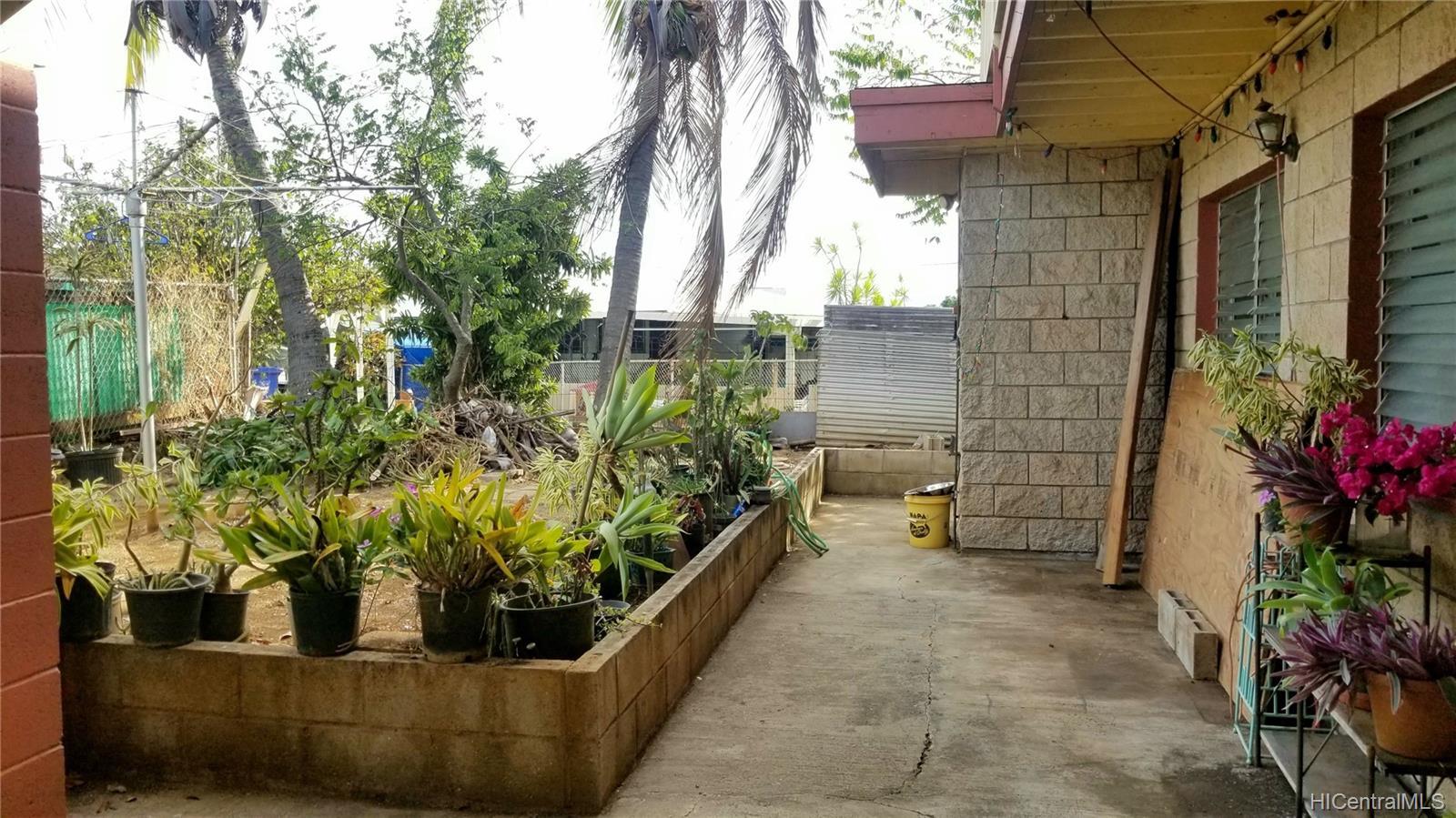 94-144  Awanui Street Waipahu-lower, Waipahu home - photo 13 of 21