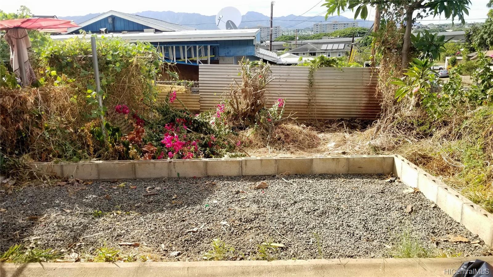 94-144  Awanui Street Waipahu-lower, Waipahu home - photo 4 of 21