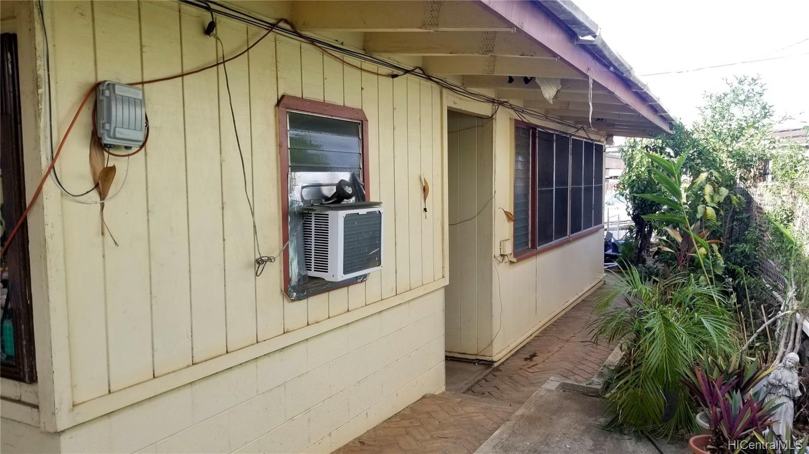 94-144  Awanui Street Waipahu-lower, Waipahu home - photo 7 of 21