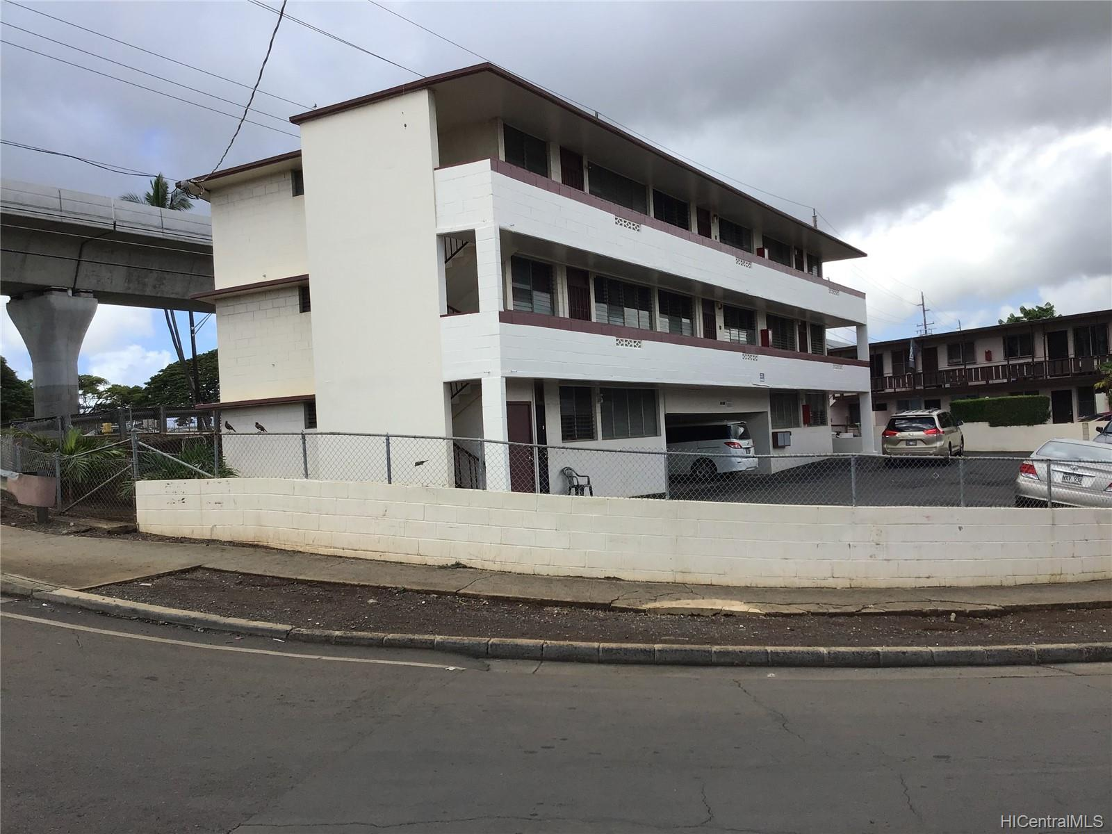 94-206 Aniani Place Waipahu - Multi-family - photo 4 of 17