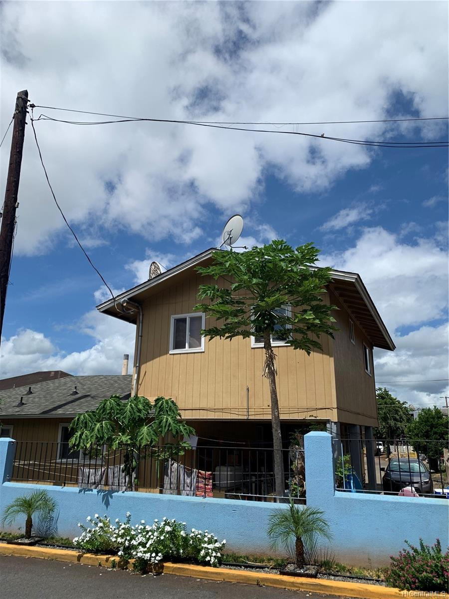 94-216 Makamaka Place Honolulu - Multi-family - photo 3 of 4