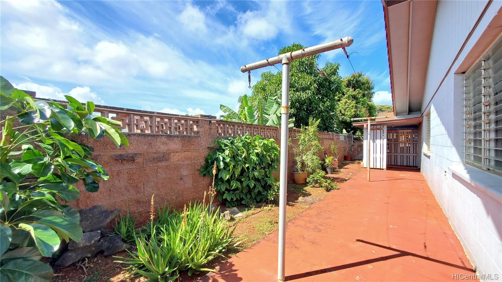 94-313  Ulukoa Street Mililani Area, Central home - photo 20 of 25
