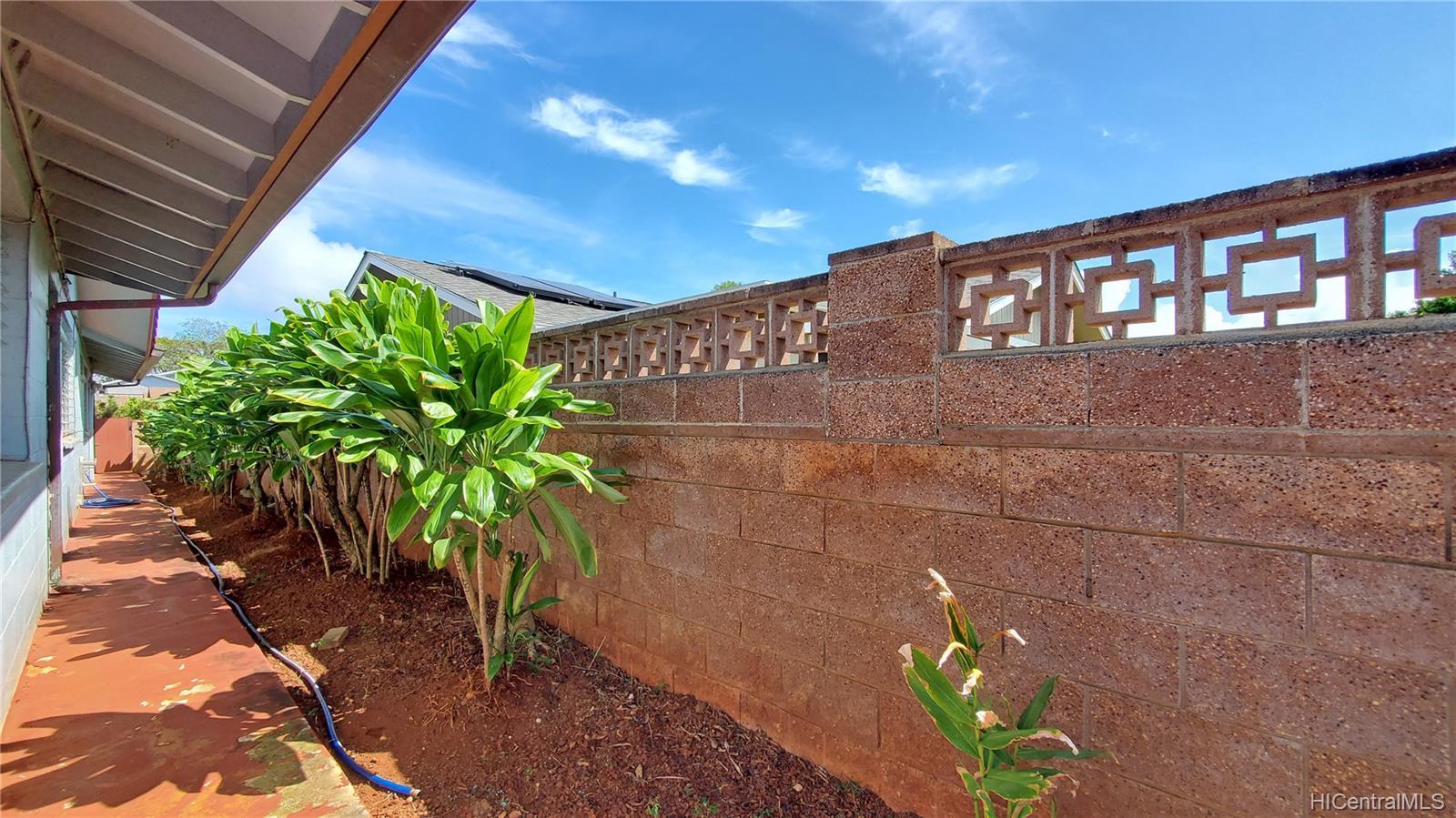 94-313  Ulukoa Street Mililani Area, Central home - photo 21 of 25