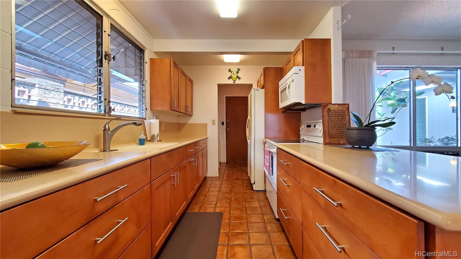 94-313  Ulukoa Street Mililani Area, Central home - photo 7 of 25