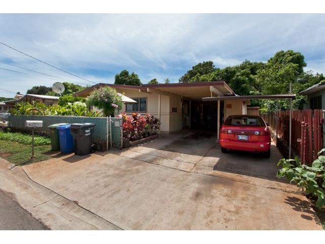 94-551  Awamoi St Waipahu Gardens, Waipahu home - photo 1 of 10