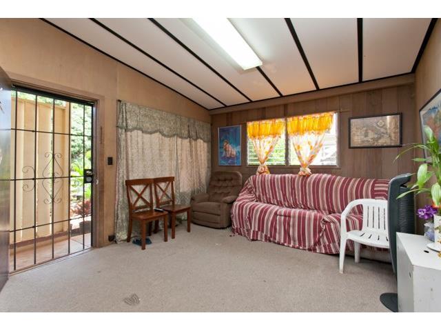 94-551  Awamoi St Waipahu Gardens, Waipahu home - photo 2 of 10