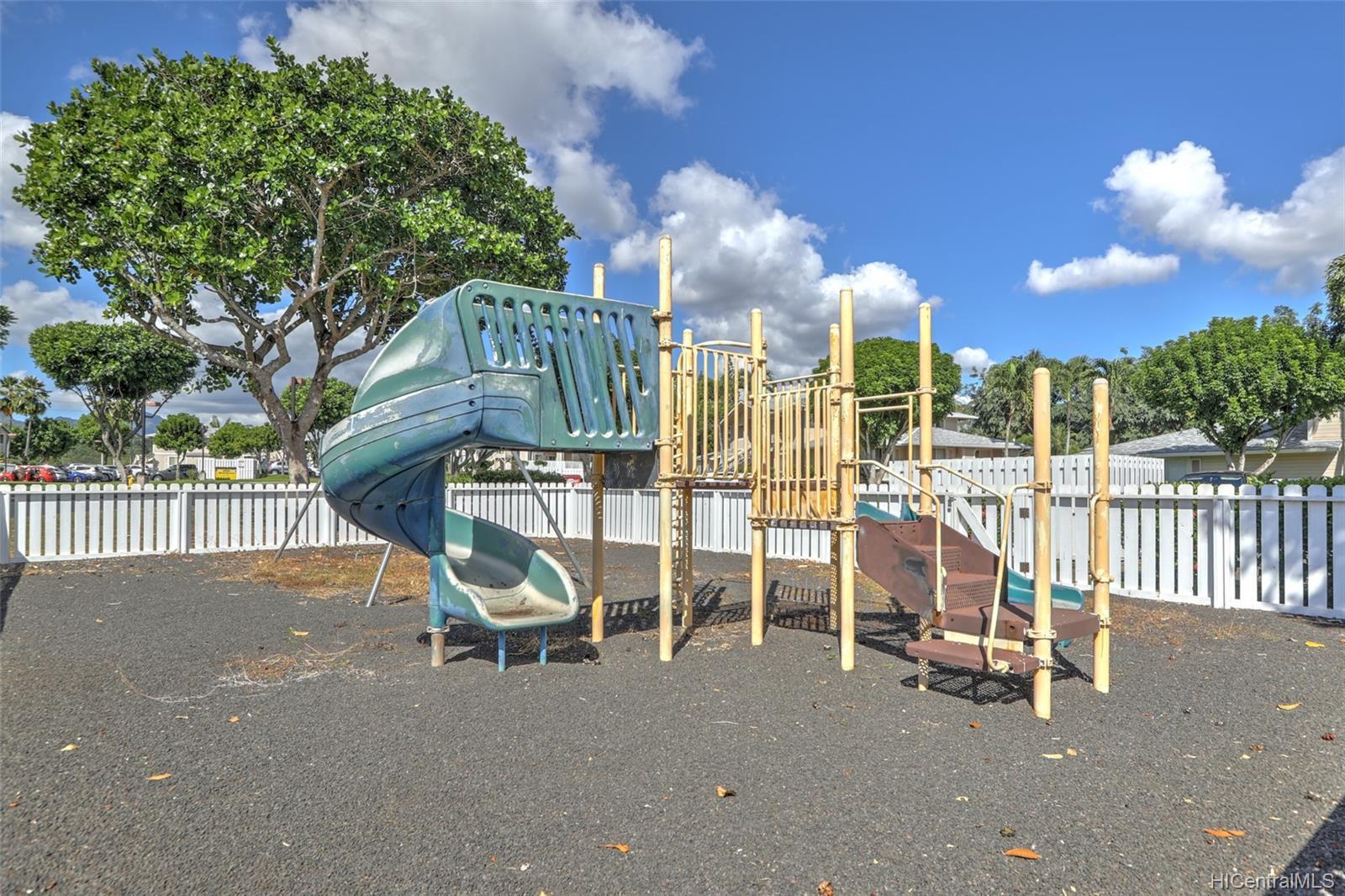 Waikele townhouse # BB102, Waipahu, Hawaii - photo 17 of 24