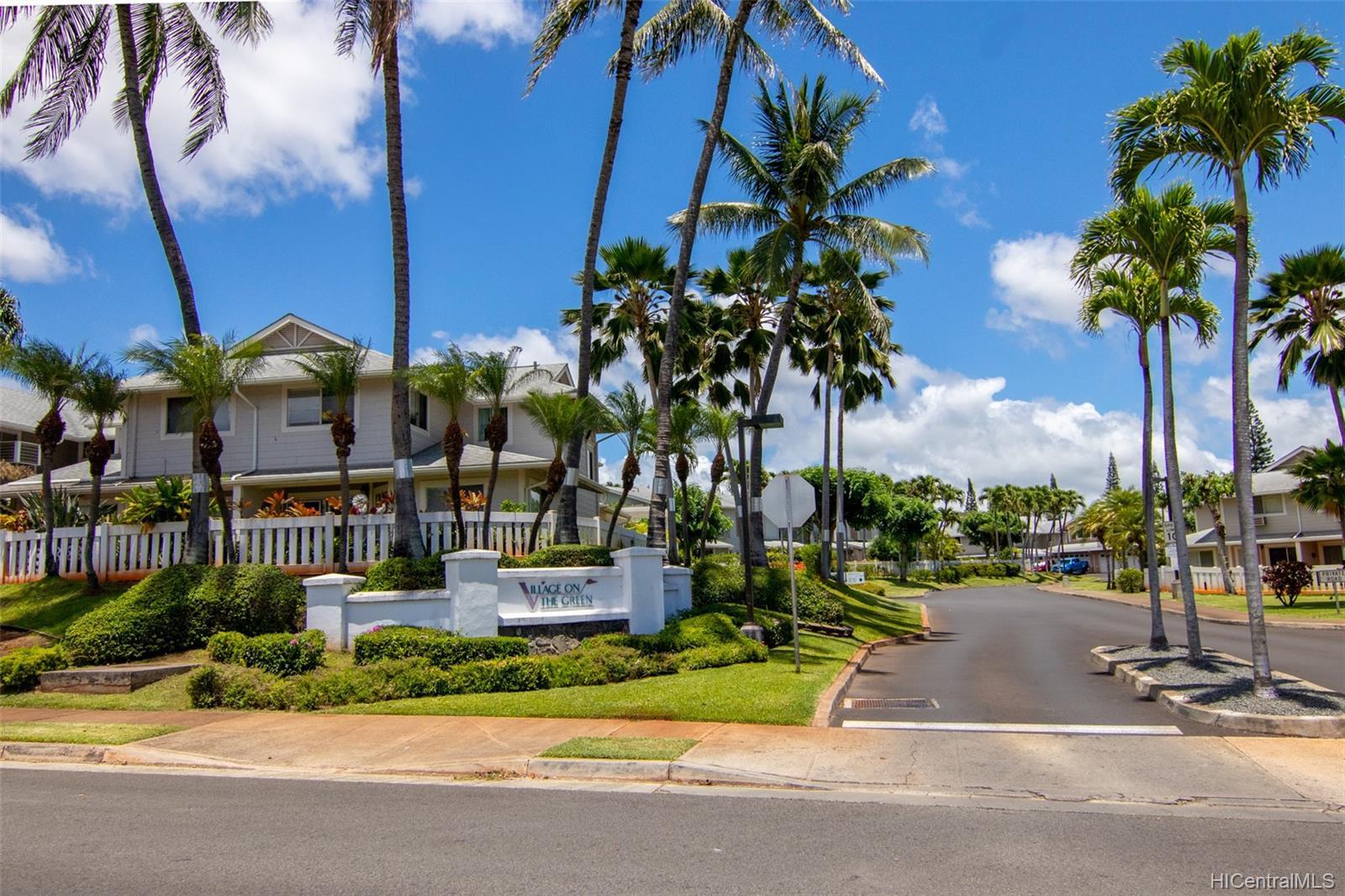 Waikele townhouse # DD1, Waipahu, Hawaii - photo 2 of 25