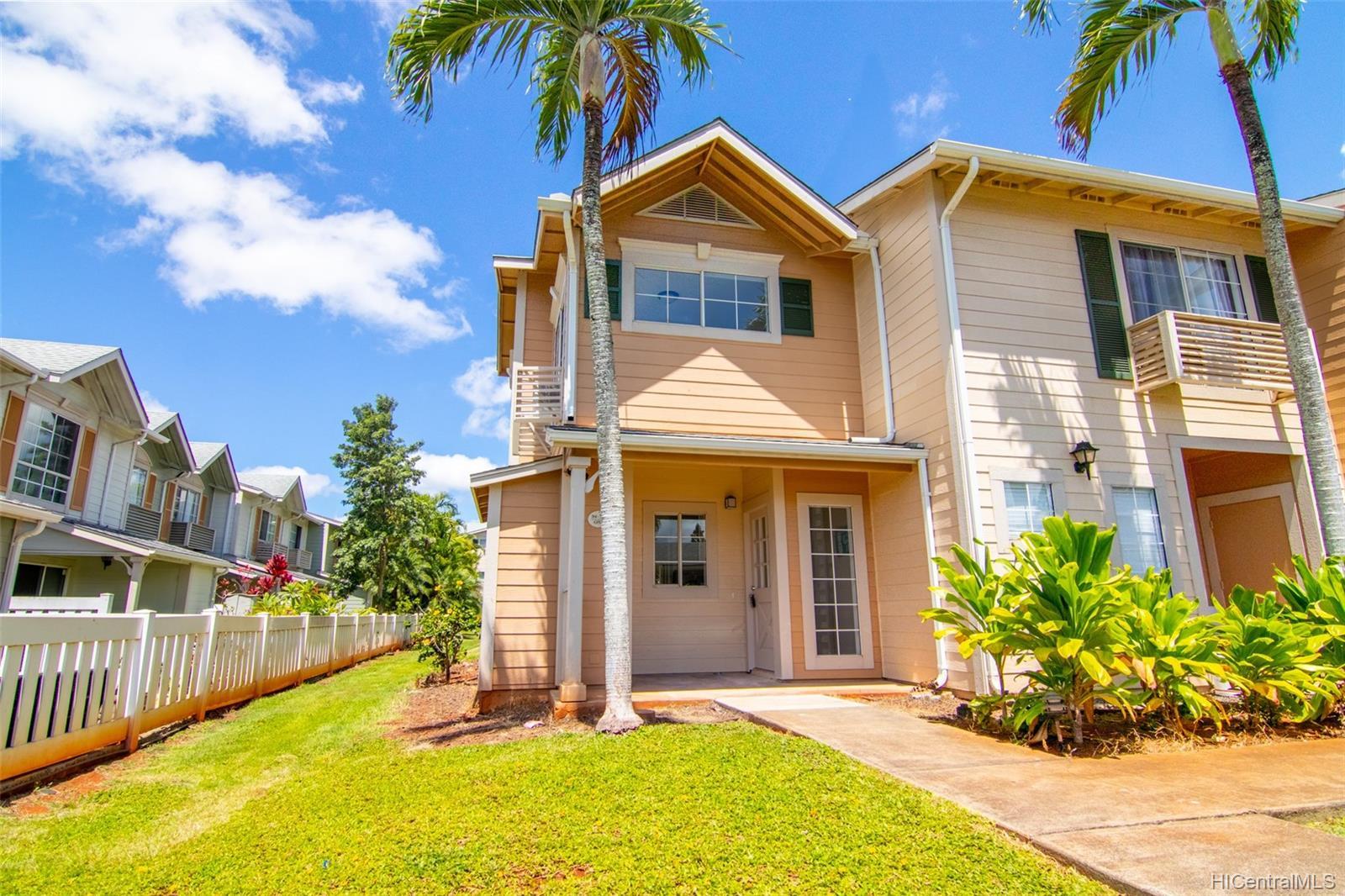 Waikele townhouse # DD1, Waipahu, Hawaii - photo 3 of 25