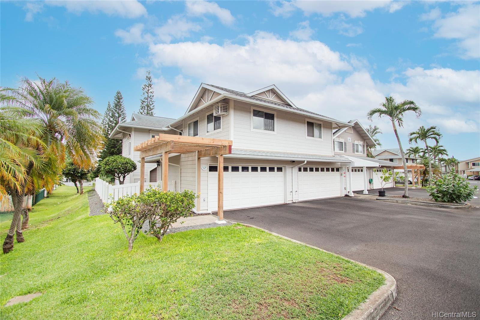 Village On The Green 1A condo # AA1, Waipahu, Hawaii - photo 1 of 25