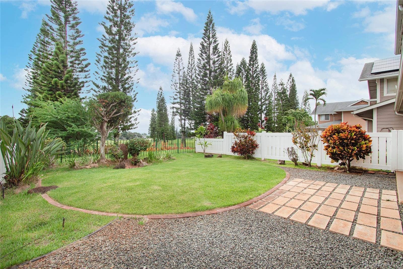 Village On The Green 1A condo # AA1, Waipahu, Hawaii - photo 6 of 25