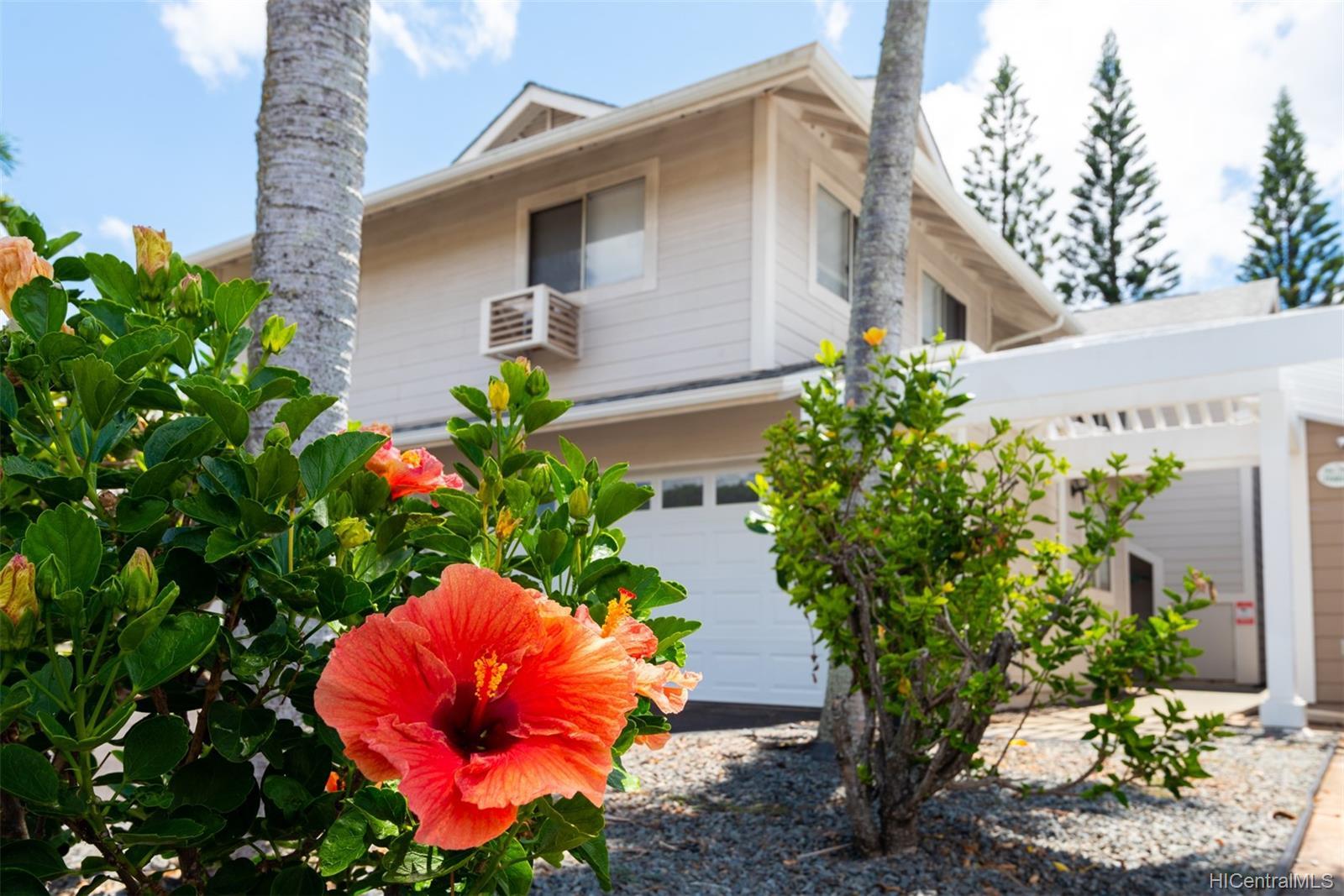 Village on the Green townhouse # Y2, Waipahu, Hawaii - photo 2 of 23