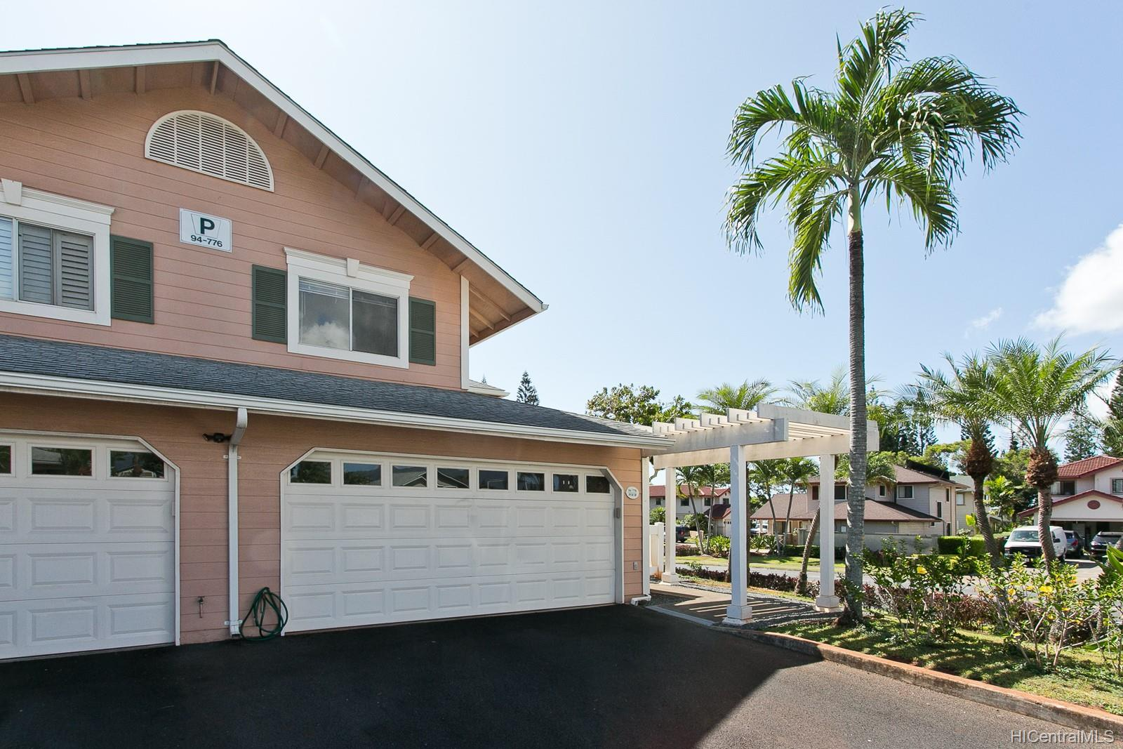 Waikele Community townhouse # P4, Waipahu, Hawaii - photo 1 of 16