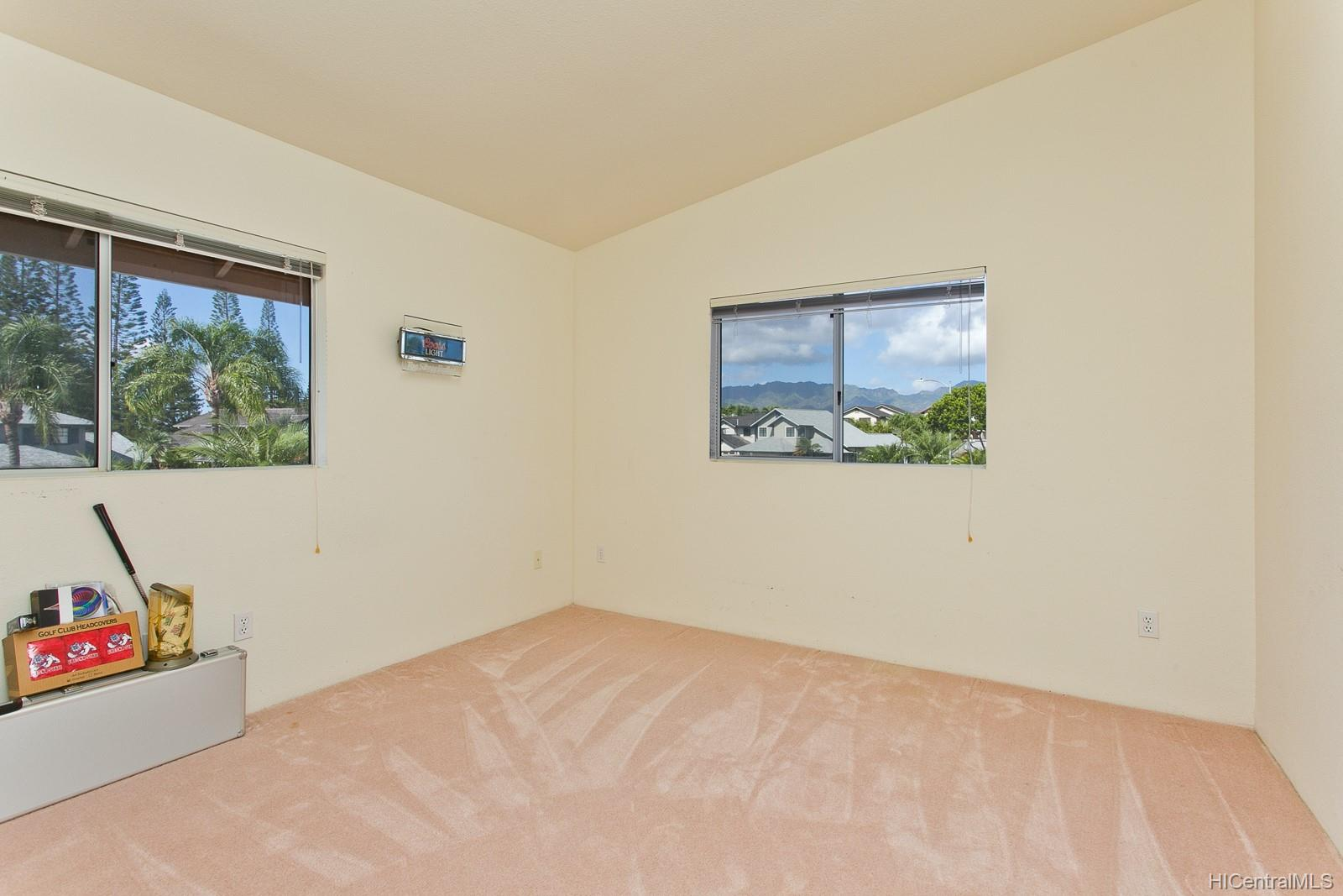 Waikele Community townhouse # P4, Waipahu, Hawaii - photo 10 of 16