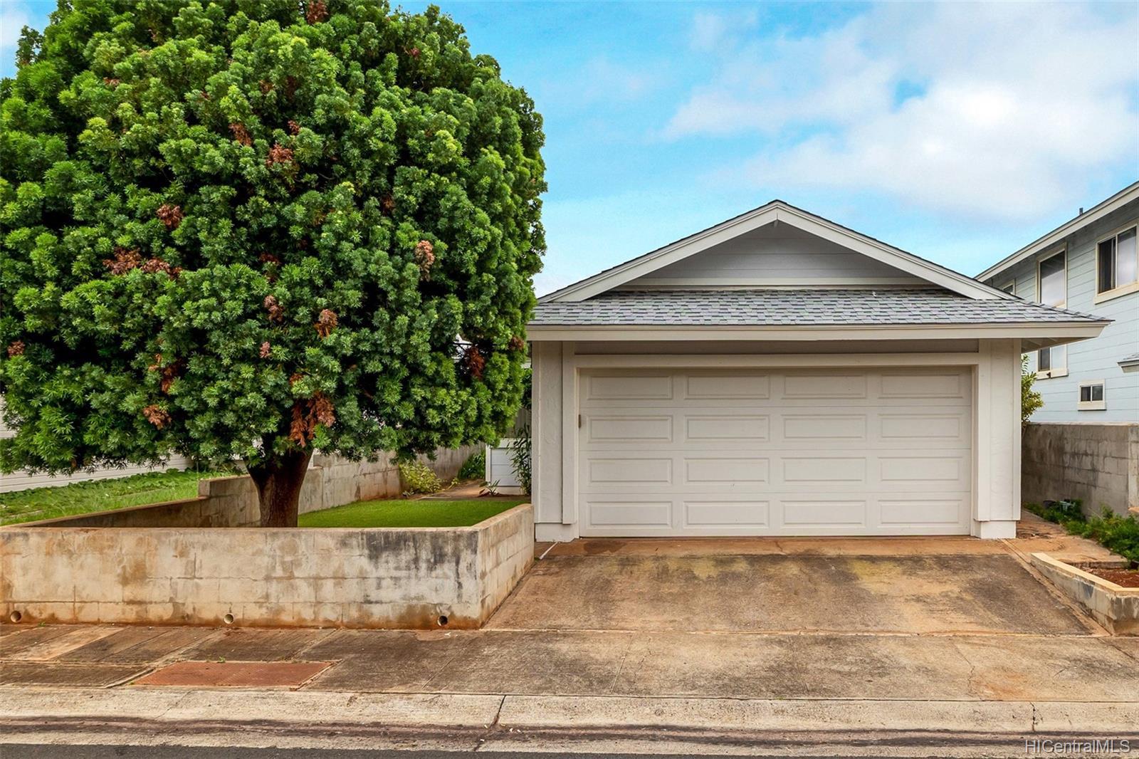 94-805  Molale Place Waikele, Waipahu home - photo 1 of 25