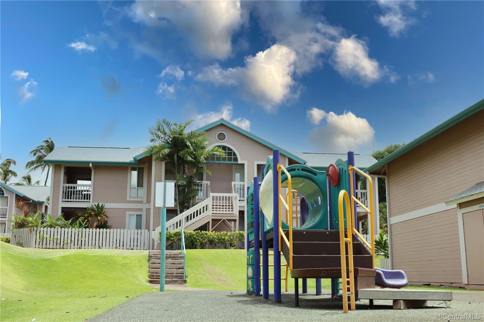 Waikele townhouse # M201, Waipahu, Hawaii - photo 15 of 17