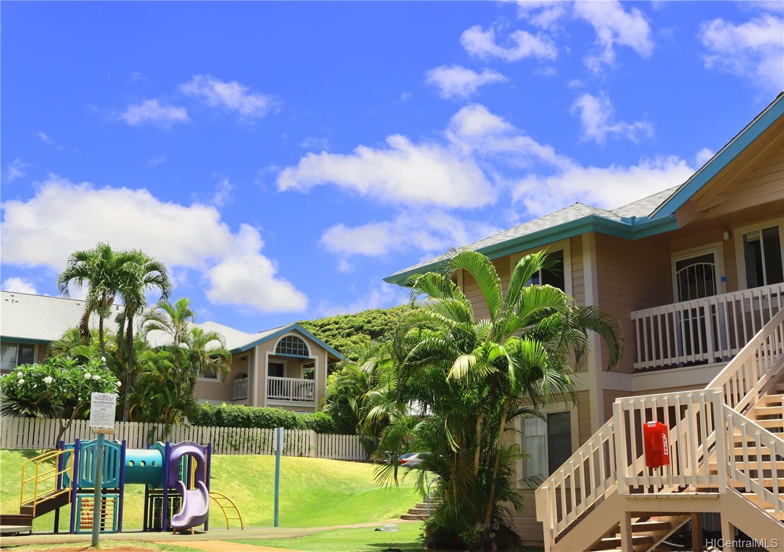 Waikele townhouse # M201, Waipahu, Hawaii - photo 16 of 17
