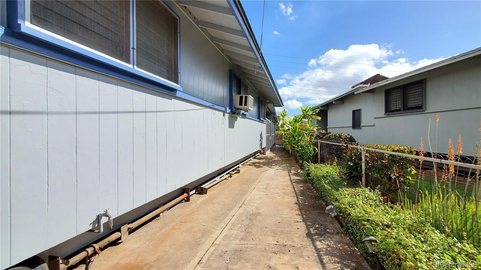 94-907  Awanei Street Waipahu-lower, Waipahu home - photo 23 of 24