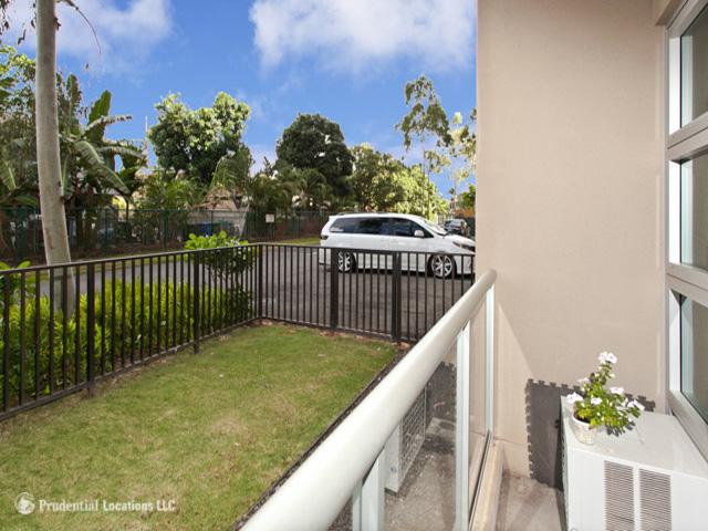 Plantation Town Apartments condo # 112, Waipahu, Hawaii - photo 4 of 10