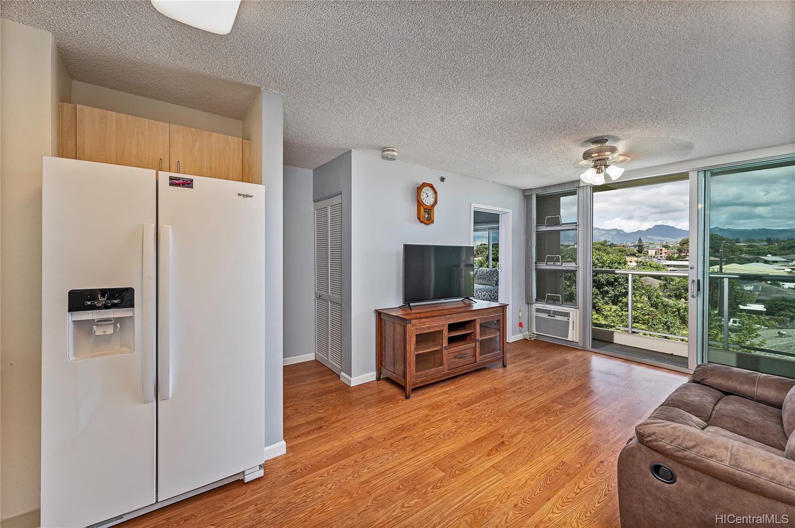 Plantation Town Apartments condo # 504, Waipahu, Hawaii - photo 4 of 20