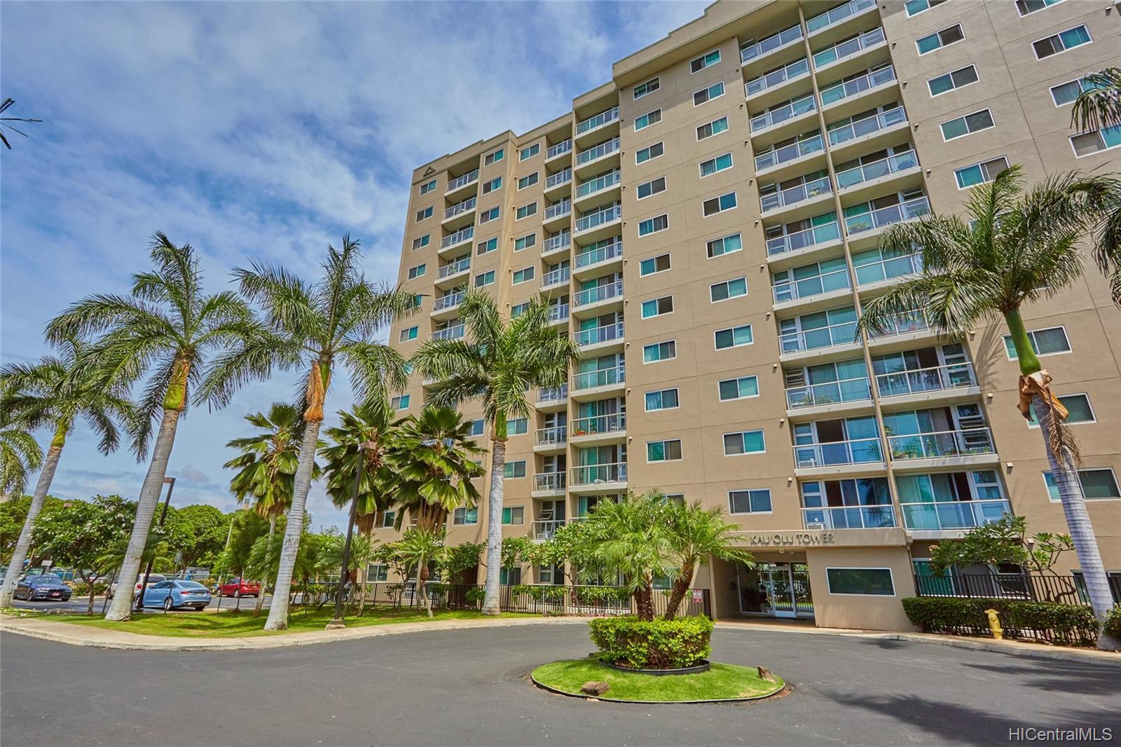 Plantation Town Apartments condo #913, Waipahu, Hawaii - photo 0 of 16